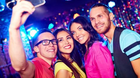 參加大型 Party (下)  突圍而出的衣著技巧 香港交友約會業總會 Hong Kong Speed Dating Federation - Speed Dating , 一對一約會, 單對單約會, 約會行業, 約會配對